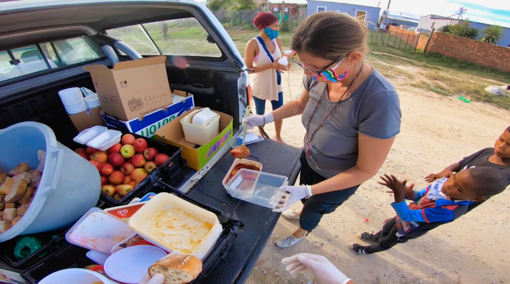 people of love mobile soup kitchens 05