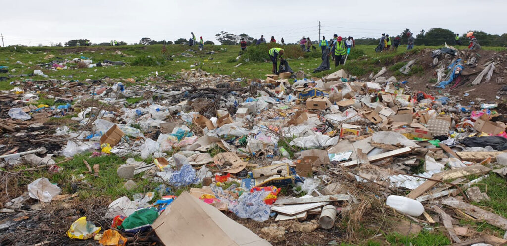 before the community clean up in Kwanokhuthula